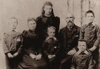 Poppelwell Family Image